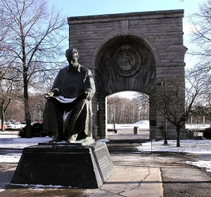 643px-Statue_of_Nikola_Tesla_in_Niagara_Falls_State_Park_adjusted